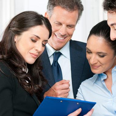العلاقات مع العملاء